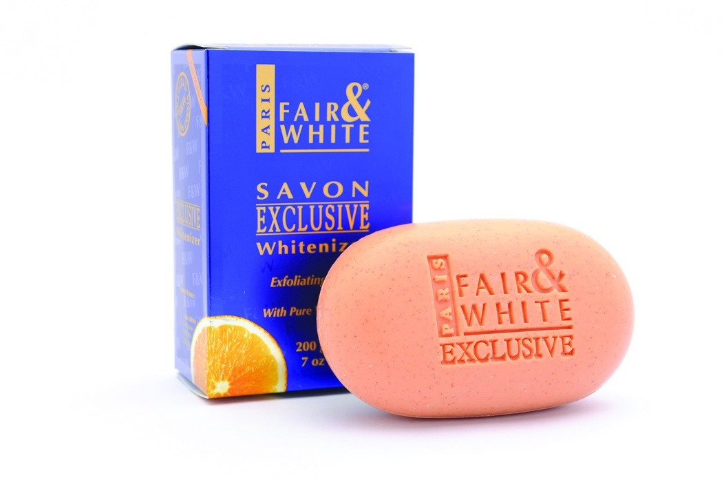 F&W FAIR AND WHITE EXFOLIATING SOAP W/ VIT C 200GR